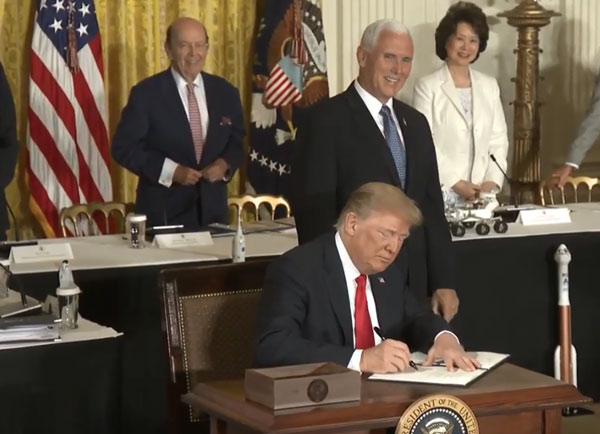 President Trump signing SPD-3 before the National Space Council